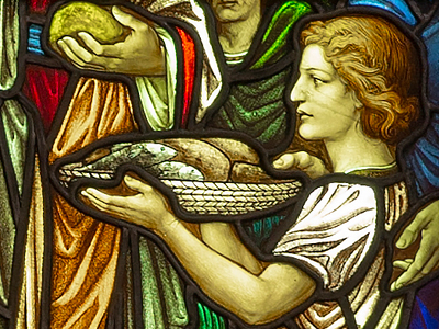 Detail of Jesus Multiplies the Loaves and Fishes, art glass window in the north rear corner of the nave of Shadyside Presbyterian Church.